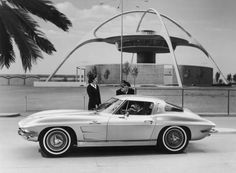 Googie Architecture - The classic Theme Restaurant by Paul Williams (and in this case, Corvette)