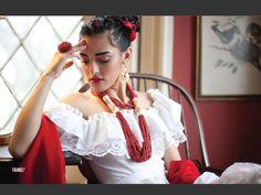 MODA FRIDA  Vigore' Magazine  Model: Esme Marroquin  Make Up: Isidro Valencia   Hair: Matthew Tyldesley Fashion & Styling: Isidro Valenica & Genna Yussman  Photography: Joshua Eskridge Photography  Assistance: Sarah Cattan