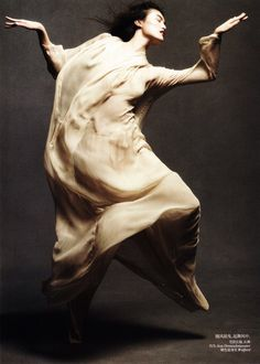 Dancing in the Soul – Daniel Jackson portraied  Liu Wen, Sui He and Ming Xi in the May Issue of Vogue China