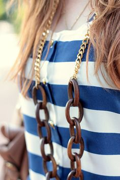 Love my @Christina M.Boutique wood and chain link necklace!