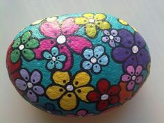 for my rock garden Painted River Rocks, Painted Rocks Craft, Hand Painted Rocks, Painted Stones, Painted Pebbles, Painted Flowers, Rock Painting Patterns, Rock Painting Ideas Easy, Rock Painting Designs