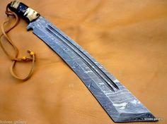 machette en acier damas, poignée en corne/Damask steel machete, horn handle