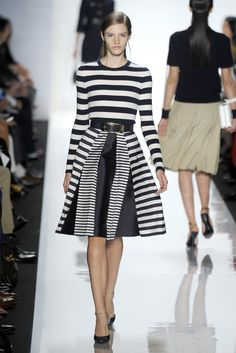 beautiful stripe on stripe and black and white look from Michael Kors RTW Spring 2013 New York Fashion, Runway Fashion, Fashion Show, Fashion Design, Fashion Trends, Women's Fashion, Vogue, High End Fashion, Classy And Fabulous