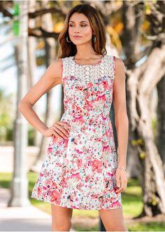 Květované šaty Skvělé květované šaty s • 629.0 Kč • bonprix