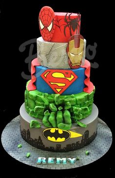 Comics heroic fantasy Berko™ (Paris) - Visit to grab an amazing super hero shirt now on sale! Avengers Birthday Cakes, Superhero Birthday Cake, 4th Birthday, Superhero Party, Birthday Ideas, Marvel Cake, Batman Cakes, Minion Torte, Bolo Fack