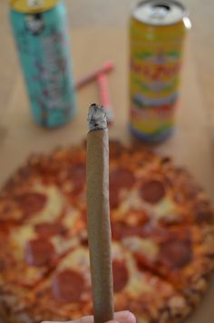 Best combo ever , pizza and blunts for days ! Weed Recipes, Buy Weed, Weed Shop, Puff And Pass, Stoner Girl, Smoking Weed, Ganja, Medical Marijuana, Mary Janes
