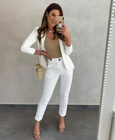 170 classy business outfits ideas for the sophisticated women Office Fashion, Work Fashion, Hijab Fashion, Fashion Dresses, Blazer Outfits Casual, Classy Outfits, Formal Looks, Casual Looks, Moda Formal