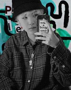 𝑀𝒾𝓃 𝒴𝑜𝑜𝓃𝑔𝒾 uploaded by 孤独 on We Heart It Min Yoongi Wallpaper, Bts Wallpaper, Min Yoongi Bts, Min Suga, Min Yoonji, Kpop Posters, Foto Jimin, Bts Aesthetic Pictures, Album Bts