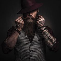 For all the beard lovers inked Model Photographer . via via For all the beard lovers inked Model Photographer . Long Beard Styles, Hair And Beard Styles, Beard Tips, Beard Haircut, Viking Beard, Ink Model, Style Masculin, Photography Poses For Men, Beard Lover