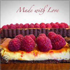 Tartaleta de chocolate, queso y frambuesas sin gluten