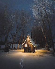 Follow @earthfever for top travel content. Tag someone you wanna share this cozy cabin with! Lake Miltona, Minnesota. Photo by @elbunt