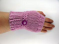 Fingerless Gloves in Orchid