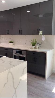 Kitchen Layout Interior, Kitchen Pantry Design, Modern Kitchen Interiors, Luxury Kitchen Design, Kitchen Cabinet Styles, Modern Small Kitchen Design, Minimal Kitchen Design, Contemporary Kitchen Island, Modern Kitchen Lighting