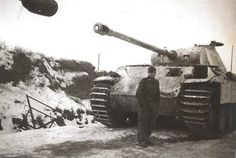 Original photos of a Panther ausf. A + D column resting on the Eastern Front.