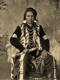 The Lakota are the western-most of the three Sioux groups, occupying lands in both North and South Dakota. Description from pinterest.com. I searched for this on bing.com/images