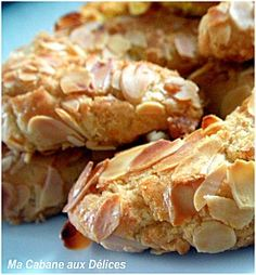 These unique, folded Angel Biscuits are the perfect addition to any holiday meal. Angel Biscuits, Biscuit Cookies, Biscuit Recipe, Cupcake Cookies, Pastry Recipes, Cookie Recipes, Snack Recipes, Algerian Recipes, Crack Crackers