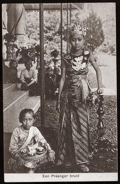 Priyangan Bride ~ West Java ~ Indonesia ca 1906