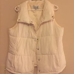 Off white puffy vest Off white puffy vest, medium thickness, worn only a few times Forever 21 Jackets & Coats Vests