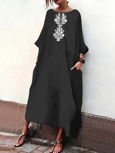 Ethnic Print Loose Sleeve Maxi Dress is high-quality, see other cheap summer dresses on NewChic. Boho Fashion, Fashion Dresses, Womens Fashion, Fashion Design, Maxi Dress With Sleeves, Floral Maxi Dress, Mode Abaya, Mein Style, Mode Outfits