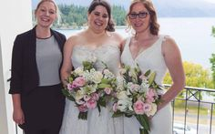 Queenstown Celebrant - Queenstown wedding at The Rydges Hotel with lake views