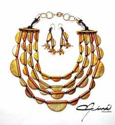 María Eva Ramos - Niná Studio  #Design Venezuela #polymerclay, #handmade, #Diseño Venezolano, #hecho a mano, #arcilla polimérica, #Necklaces, #Collares, #Gold, #Dorado