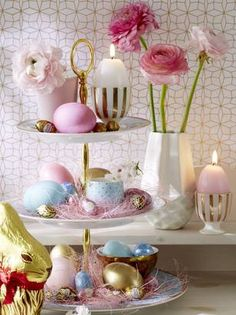 Etagere mit bunten Ostereiern in Pastell decorating tray Easter Table Decorations, Easter Centerpiece, Coloring Easter Eggs, Easter Colors, Egg Art, Easter Crafts For Kids, Deco Table, Easter Party, Easter Wreaths
