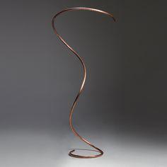 """Come ben sapete sono """"rapita"""" da creazioni originali soprattutto se già le immagino in casa mia!  Ho visto queste lampade (da tavolo o da terra) chetrovo essenziali, delicate e che si prestanoin case di ogni stile, quindi, prima di tutto i miei complimenti all'artista Francesco Marano poi ve le mostro qui sotto A brevetroverete…"""