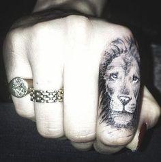 Cara Delevingne Gets Lion Tattoo On Her Finger From Rihanna's Tattoo Artist Lion Tattoo On Finger, Lion Hand Tattoo, Leo Tattoos, Tattoo You, Hand Tattoos, Trendy Tattoos, Tattoos For Women, Cara Delevingne Tattoo, Rihanna