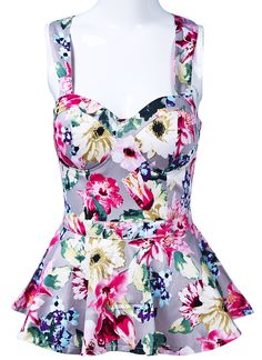 To find out about the White Spaghetti Strap Floral Ruffles Vest at SHEIN, part of our latest Tank Tops & Camis ready to shop online today! Rockabilly Fashion, Floral Style, Cute Tops, Dress Making, Beautiful Dresses, What To Wear, Style Me, Cute Outfits, Floral Fashion