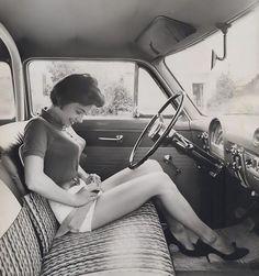 Xu hướng 'Áo ngực viên đạn' thống trị thập niên 40-50 và những hình ảnh lý giải nguyên nhân
