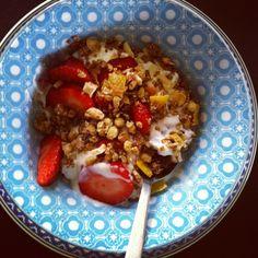 Low fat yoghurt, strawberries, muesli and almonds