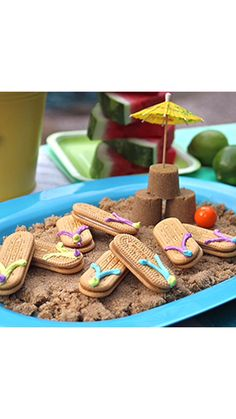 Easy flip flop cookies perfect for a pool or beach party! Easy no bake cookie recipe for summer fun. Kids Beach Party, Beach Kids, Luau Party, Beach Party Decor, Beach Pool, Pool Party Decorations, Party Themes, Summer Parties, Summer Fun