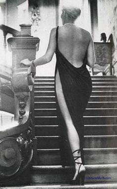 Chloe, designed by Karl Lagergeld, photo by Helmut Newton, 1975