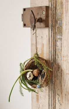 Easter Nest - Hang from a door or handle. Sweet touch. Easy/fast to make.  Little touches make the difference.