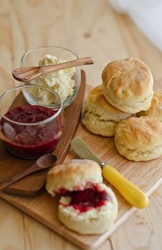 mini biscuits with cute homemade (or homemade looking ) jams in mason jars to choose from