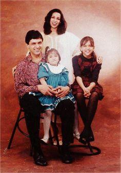 Amrish Puri with family | Rare Bollywood | Pinterest ...
