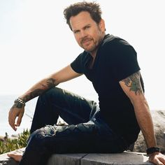 Gary Allan. I saw him in concert!!!!!