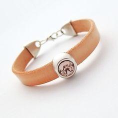 Simple leather z kryształkiem łososiowa - NaLeMi-jewellery - Bransoletki i opaski na rękę