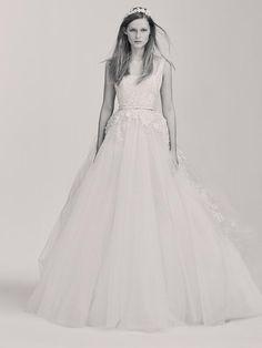 Elie Saab lance sa collection de robes de mariée