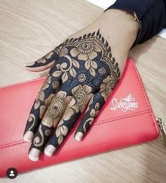 Mehndi design for girl Rose Mehndi Designs, Indian Henna Designs, Legs Mehndi Design, Henna Art Designs, Mehndi Designs For Girls, Modern Mehndi Designs, Dulhan Mehndi Designs, Mehndi Design Pictures, Wedding Mehndi Designs