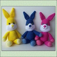 Spring Bunnies | Featured at Tuesday Treasures #29 via @beckastreasures with @melissaspattrns | #crochet