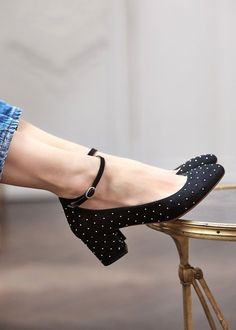 Dolce And Gabbana Shoes 2018 shoes diy painted.Formal Shoes Wedges sport shoes b… Dolce and Gabbana shoes 2018 shoes DIY painted. Pretty Shoes, Beautiful Shoes, Cute Shoes, Me Too Shoes, Dream Shoes, Crazy Shoes, Formal Shoes, Casual Shoes, Plateau Sneaker