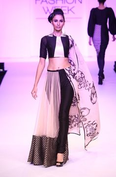 Lakme Fashion Week Day The half-lehenga, presented by Payal Singhal Lakme Fashion Week, India Fashion, Ethnic Fashion, Asian Fashion, Fashion Show, Women's Fashion, Indian Attire, Indian Ethnic Wear, Indian Style