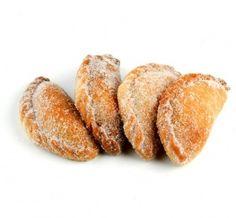 Pastissets de cabell d'àngel, especialitat dolça tradicional de les Terres de l'Ebre. També es farceixen de moniato, brossat o massapà #recepta