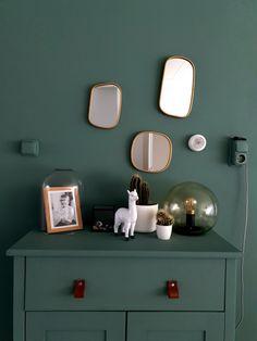 Kastje schilderen in dezelfde kleur als de muur. Groen. @bij_fem