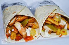 Un blog cu retete culinare, retete simple si la indemana oricui, retete rapide, retete usoare, torturi si prajituri. Shawarma, How To Cook Gammon, Vegetarian Cooking, Cooking Recipes, Chicken Salad Ingredients, Joy Of Cooking, Camping Cooking, Tacos And Burritos, Ribs On Grill