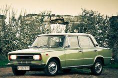 El SEAT 124 también fue un utilitario de éxito en nuestro país. http://lab.rtve.es/retrovisor/galeria.html