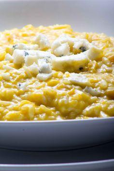 Para começar bem o ano de 2012 escolhi essa receita de risoto de abóbora com gorgonzola!!O risoto fica encorpado, saboroso e é um dos meus...