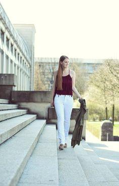 wei e jeans kombinieren mit fransen shirt lebensgef hle fashion inspiration. Black Bedroom Furniture Sets. Home Design Ideas