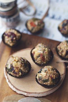 Trufle owsiane z bakaliami bez pieczenia Trufle, Pink Envelopes, Cookie Recipes, Muffin, Menu, Cookies, Breakfast, Interior, Fit